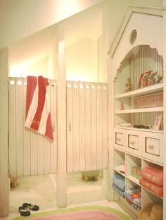 Private Residence in Ocean Ridge Florida Coastal Homes, Coastal Living, Home And Living, Coastal Style, Coastal Decor, Shared Bathroom, Beach Ideas, Girl Decor, Beach Crafts
