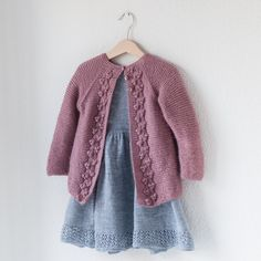 Nordic Fall Cardigan (English) – Knit By TrineP Knit Or Crochet, Crochet Baby, Fall Cardigan, String Bag, Baby Knitting Patterns, Knitting Ideas, Garter Stitch, Knitted Bags, Cardigans