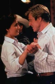 This pic is on my wishlist because it's the best scene in this movie and I want to dance with Robert :)
