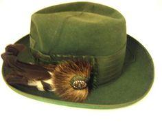 Courtesy of The Royal Armoury. //  Jakthatt som tillhört Karl av Sverige XV, 1826-1872. // Hunting hat that belonged to Karl of Sweden XV, 1826 - 1872.