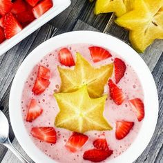 Strawberry Star Fruit Smoothie Bowl. Try something new for breakfast with this healthy and delicious Strawberry Star Fruit Smoothie Bowl! #breakfast #brunch #recipes