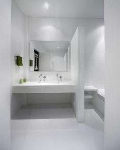 white bathroom inspiration from casa penon designed by giovanni moreno