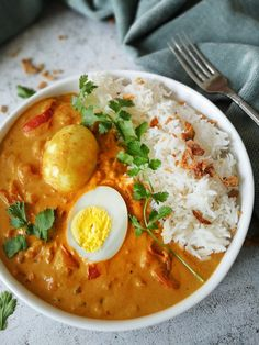Curry with egg! This curry with egg is one of the easiest, fastest and … – NEW! Curry with egg! This curry with egg is one of the easiest, fastest and tastiest curries that y – NEW! Curry with egg! This curry with egg is one of the easiest, fastest … Vegetarian Recepies, Vegetarian Curry, Veggie Recipes, Indian Food Recipes, Asian Recipes, Cooking Recipes, Healthy Recipes, Dinner Recipes, Slowcooker Curry
