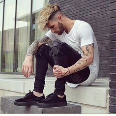 Likes, 10 Comments - Hairstyle Guy& Fashion Mode, Urban Fashion, Mens Fashion, Fashion Outfits, Outfits Hombre, Men Looks, Herren Outfit, Casual Wear, Poses