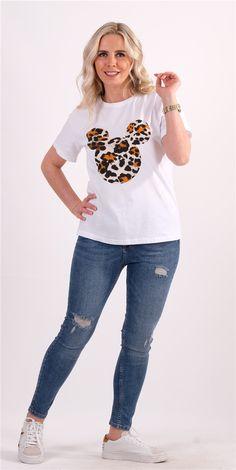 Beyaz Baskılı TshirtKumaş Cinsi  :%100 CottonModelin Ölçüleri : 1.68cm / 36 BedenModelin Üstündeki Beden : S                                                                                                                                                                                                           Yıkama Talimatı:Ürünün iç etiket bölümünde gerekli yıkama talimatı yer almaktadır. T Shirt, Tops, Women, Fashion, Supreme T Shirt, Moda, Tee, Women's, La Mode