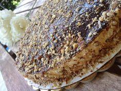 kinder maxi king torta praktikák sok gyerekhez King Torta, Maxi King, Fondant, Bread, Food, Diy, Kids, Bricolage, Brot