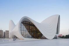 The undulating Heydar Aliyev Center in Baku, Azerbaijan, by architect Zaha Hadid has named Design of the Year by London's Design Museum. Zaha Hadid Architecture, Art Et Architecture, Organic Architecture, Futuristic Architecture, Amazing Architecture, Contemporary Architecture, Architecture Wallpaper, Chinese Architecture, Zaha Hadid Interior