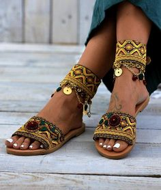 Handmade Greek leather sandals, decorated shoes by DimitrasWorkshop Jackie Brown, Boho Sandals, Greek Sandals, Leather Sandals, Small Handbags, Black Handbags, Estilo Hippie, Decorated Shoes, Designer Shoulder Bags