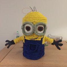 Piñata de fabrication artisanale, faite de papier mâché et papier crépon, elle mesure 45cmx40cm. Elle peut être à ficelles ou pour casser. Il faut compter 5 à 6 jours ouvr - 19415278