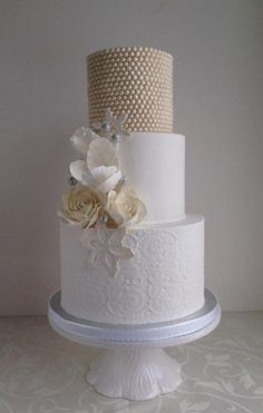 35 Trendy And Fancy Textured Wedding Cakes | Weddingomania