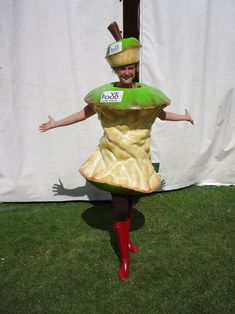 But be the worm coming out from the middle! Fruit Costumes, Crazy Costumes, Creative Costumes, Dress Up Costumes, Carnival Costumes, Diy Costumes, Cosplay Costumes, Halloween Costume Props, Halloween Cosplay