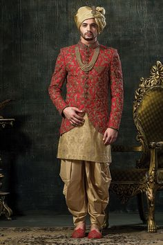 Latest designs of mens indo western sherwani, Indo western kurta suits and more for wedding and party wear. Blazer For Men Wedding, Sherwani For Men Wedding, Wedding Dresses Men Indian, Groom Wedding Dress, Sherwani Groom, Best Wedding Suits For Men, Mens Wedding Wear Indian, Mens Indian Wear, Punjabi Wedding