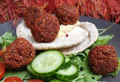 Céklás falafel – Zest.hu Finger Food Appetizers, Finger Foods, Vegetable Pasties, Fall Recipes, Vegan Recipes, Chickpea Fritters, Fried Rice With Egg, Masala Curry, Dry Chickpeas