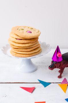 smarties cookies und nusstorte mit schokoriegelzaun (plus einer lustigen horde party animals)