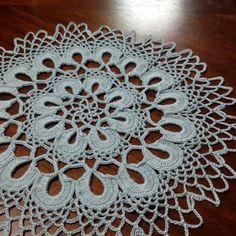 先日編んでいたドイリー出来ました なぜか面白くて、早く編めました  #handmade #doily  #knitting #レース編み  #ドイリー #編み物 #ハンドメイド