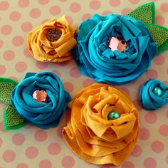 DIY cotton flowers made with old tshirts - how to use an old t-shirt - fabric flower tutorial