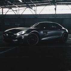 Shadow games.  #MBphotocredit: @teymur  #Mercedes #Benz #AMGGT #AMG  #instacar #carsofinstagram #germancars #luxury