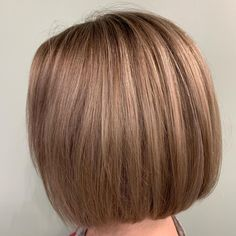 Layered hair is great but there is something about a blunt cut that just works. Having your hair all the same length can really make it easier to styl... Bob Cuts, Blunt Cuts, Blunt Hair, Brown Hair Balayage, Layered Hair, Your Hair, Short Hair Styles, Bob Styles, Wedge Bob Haircuts