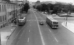 Tr-ka, Ikarus 280 a bývalý priestor pred AS Mlynské nivy Bratislava, Old Photos, Street View, Europe, Travel, Nostalgia, Times, Inspiration, Antique Photos