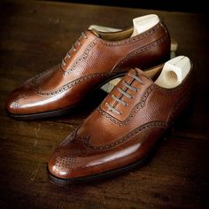 105 - Long wing full brogue Oxford in our Russian calf. Great shot by of This is also where the big Japan trunk show start on April (at Bryceland's Co) Me Too Shoes, Men's Shoes, Shoe Boots, Dress Shoes, Brogues, Loafers Men, Derby, Saint Crispin, Oxford Shoes Outfit