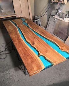 River table. ▪️▪️▪️▪️▪️▪️▪️▪️▪️▪️ Source: @woodcraftstudio . . . . . . . . . #wood #woodworking #carpentry #woodworker #woodwork #wooddesign #woodporn #upcycle #interiordesign #interiordesignporn #dowoodworking #woodporn #finewoodworking #craft #artisan #reclaimedwood #art #woodart #finewoodworking #handcrafted #craft #furniture #furnituredesign #table #tabledesign #resin #resintable #diningtable #coffeetable #conferencetable #liveedge #liveedgetable #liveedgewood
