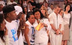 """Mãe de dançarino do """"Esquenta"""" critica Regina Casé: """"É uma mentirosa"""" - http://projac.com.br/brasil-mundo/mae-de-dancarino-esquenta-critica-regina-case-e-uma-mentirosa.html"""