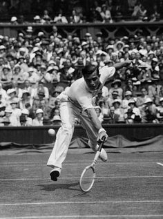 American tennis player Frank Shields (father of Brooke), in his match against Henry Wilfred Bunny Austin, whom he defeated at Wimbledon, July Tennis Party, Lawn Tennis, Monica Seles, American Tennis Players, Tennis Online, One Championship, Wimbledon Tennis, Drop Shot, Tennis World