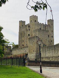 Rochester Castle, Pisa, Tower, Building, Travel, Viajes, Computer Case, Buildings, Towers