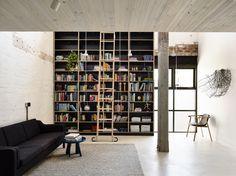 Wood-adorned Sydney apartment wins top interior design award