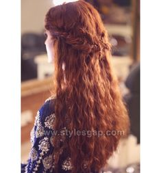 3 Gracious Tricks: Older Women Hairstyles 10 Years tight updos hairstyle.Feathered Hairstyles Boho Style everyday hairstyles with bangs.Pixie Hairstyles With Headbands. Hairstyles With Glasses, Wedge Hairstyles, Undercut Hairstyles, Feathered Hairstyles, Headband Hairstyles, Hairstyles With Bangs, Updos Hairstyle, Brunette Hairstyles, Braided Hairstyles