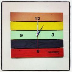 Reloj de pared de pallets , estibas. By Palopinto.