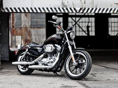 Harley Davidson Sportster Superlow- There's something about a Sporty....