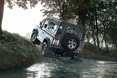 Off-Road Rage: The 2014 Land Rover Defender Review - http://www.osv.ltd.uk/latestnews/4x4s/road-rage-2014-land-rover-defender-review/