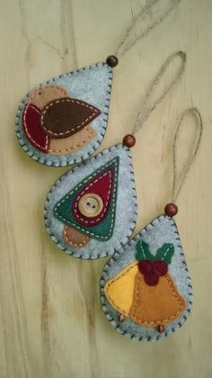 GinhamFlower - These three felt ornaments would make an ideal festive tree decoration.
