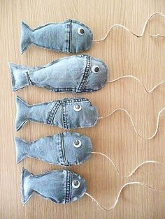 from an old jeans. denim Fish from an old jeans. - Fish from an old jeans. denim Fish from an old jeans. Recycle Jeans, Diy Jeans, Upcycle, Diy With Jeans, Jean Crafts, Denim Crafts, Fabric Crafts, Sewing Crafts, Sewing Projects