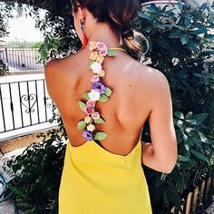 Flechazo 💛 #disoñandobodas #disoñando #wedding #bodas #invitadas #style #estilo #fashion #guest #flower #flores #invitada