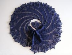 "lazy-vegetarian: "" Begonia Swirl Shawl by Carfield Ma (free pattern on Ravelry) "" Knitting Blogs, Lace Knitting, Knitting Stitches, Knitting Patterns Free, Knitting Tutorials, Knitted Shawls, Crochet Shawl, Knit Crochet, Tunisian Crochet"