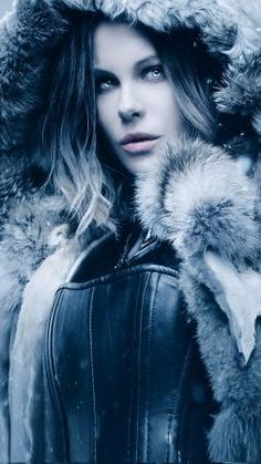 Underworld Blood Wars ~ Kate Beckinsale as Selene Underworld Selene, Underworld Movies, Underworld Vampire, Female Vampire, Vampire Girls, Underworld Kate Beckinsale, Films Cinema, Vampires And Werewolves, Actrices Hollywood