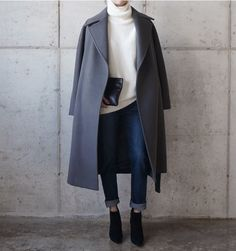 white turtleneck + gray wool coat + black leather clutch + dark cuffed skinny jeans + black suede ankle booties