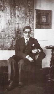 Constantino Cavafis - Egyptian Greek poet, journalist and civil servant. Essay Layout, World Poverty, World Icon, Constantino, High School History, Writers And Poets, History Teachers, Book Writer, World Of Books