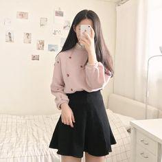 47aaea8545 💓Korean Fashion|Date Outfit💓 @oliwiasierotnik #koreanfashiontrends Pretty  Outfits, Korea Fashion