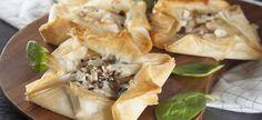 Mini Pies, Spanakopita, Ethnic Recipes, Food, Essen, Meals, Yemek, Eten