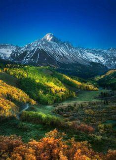 Landscape Photos, Landscape Paintings, Landscape Photography, Nature Photography, Dame Nature, Autumn Scenery, Mountain Photography, Beautiful Places To Visit, Mountain Landscape