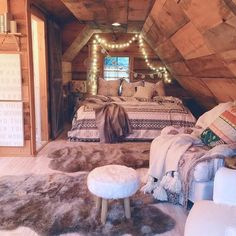Love this cozy room