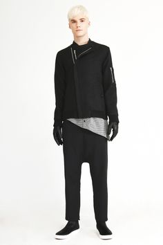Munsoo Kwon FW12 collection Look3. Wool bomber jacket – charcoal melange, Asymmetry inserted shirt long sleeve T – black, Andrew pants – black.