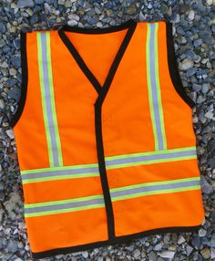 ourhomecreations: DIY Construction Vest