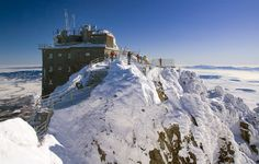 Come to High Tatras! Detailed information on hotels, book accommodation in Vysoke Tatry, search surroundings on map and get to know Slovak national parks. High Tatras, Big Country, Great Life, Lonely Planet, Homeland, Beautiful Images, Mount Everest, Mount Rushmore, National Parks