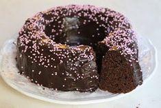 """Moi! Tämä kakku on jo vuosien ajan kuulunut minun """"joulu-ohjelmistoon"""" :) Joskus innostun tekemään tätä muutenkin. Olen vienyt jouluisin ..."""