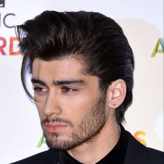 How to style mens hair like Zayn Malik / James Bond / Mariano Di Vaio Pompadour Hairstyle, Undercut Hairstyles, Cool Hairstyles, Hairstyle Men, Hairstyle Ideas, African American Braid Styles, Beauty Supply Near Me, Zayn Malik Hairstyle, Modern Pompadour