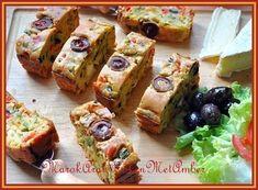 Lekkere hartige vegetarische cake....Dit heb je nodig1 groene paprika pitjes verwijderd1 rode paprika idem1 gele paprika idem1 middelgrote courgette130 gram bloem30 gram zonge